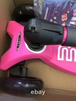 Maxi Micro Deluxe Foldable Shocking Pink Led Scooter NEW