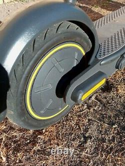 Ninebot Kick Scooter Max Segway, duel brake system, max speed 18.6 mph electric